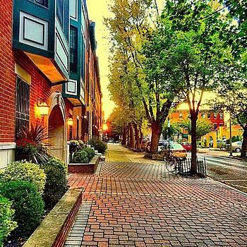 Green Street Mornings... In A Tuesdaze by Dan  Diamond
