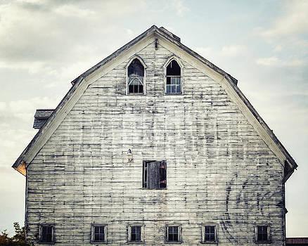 Lisa Russo - Grey Barn Landscape