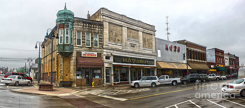 Gregory Dyer - Grinnell Iowa - Downtown - 01