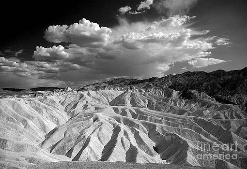 Grooving In Death Valley by Stephen Flint
