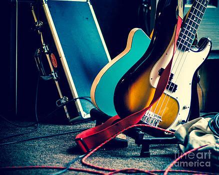 Sonja Quintero - Guitars at Rest