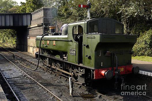 Simon Pocklington - GWR 0 6 0 Pannier Tank