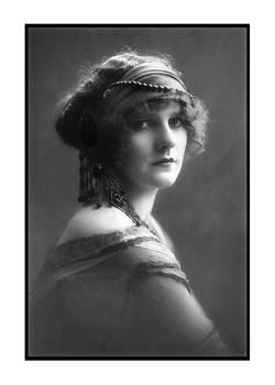 Denise Beverly - Gypsy
