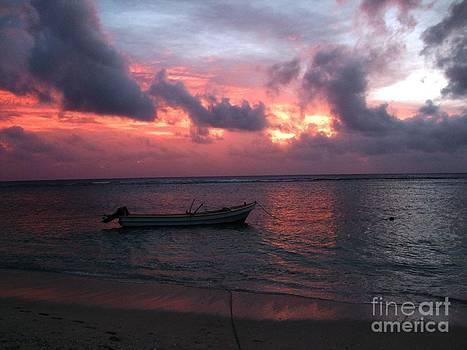Ha'atafu beach sunset by Crystal Beckmann