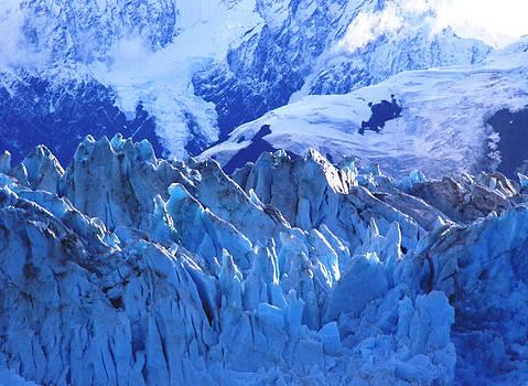 Habbard Glacier by Alex Kossov