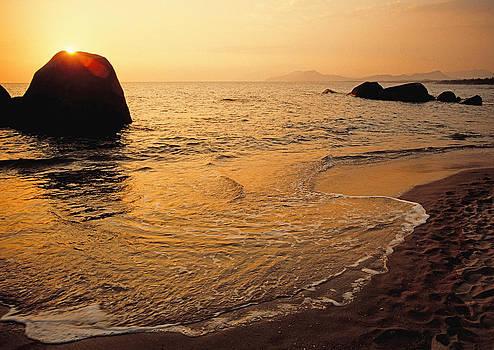 Dennis Cox - Hainan beach 1