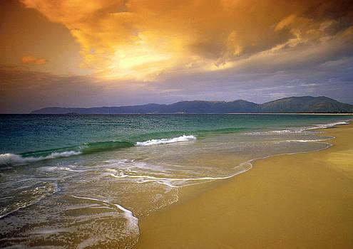 Dennis Cox - Hainan beach 4