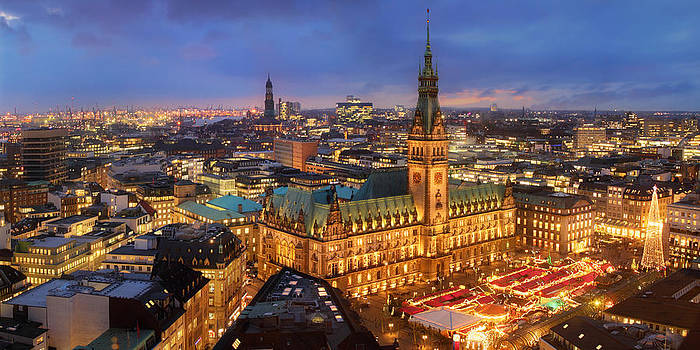 Hamburg Christmas Market by Marc Huebner