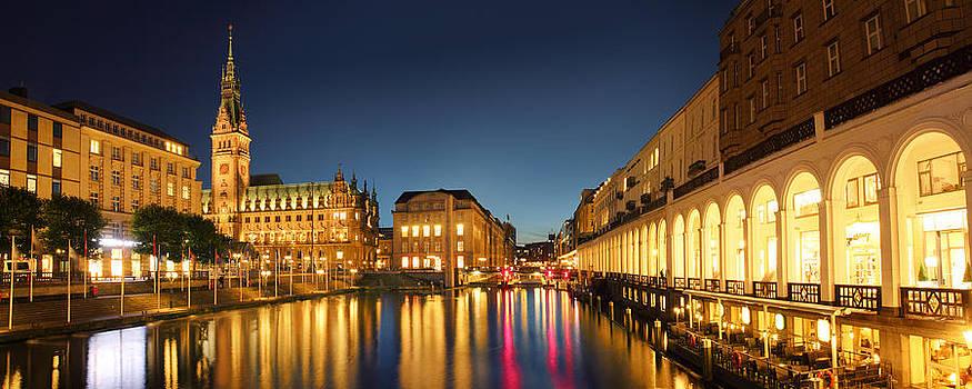 Hamburg City by Marc Huebner