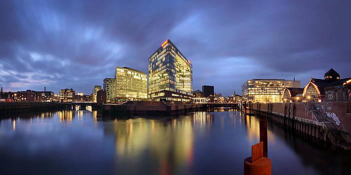 Hamburg Panorama by Marc Huebner