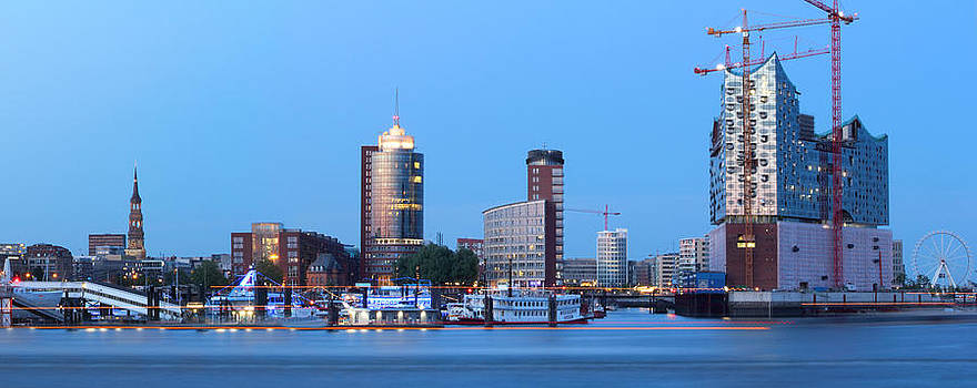 Hamburg Skyline by Marc Huebner