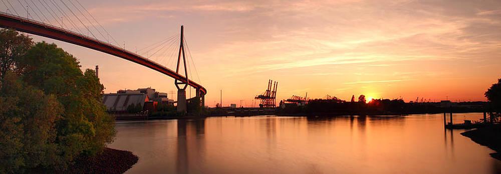 Hamburg Sunset by Marc Huebner