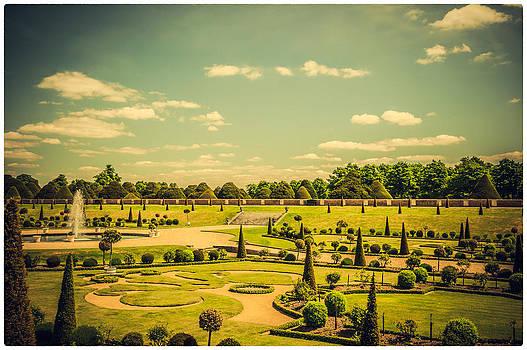 Lenny Carter - Hampton Court Palace Gardens - The Knot Garden