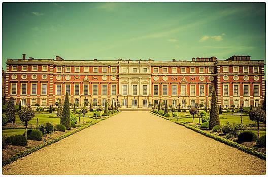 Lenny Carter - Hampton Court Palace Gardens as seen from The Knot Garden