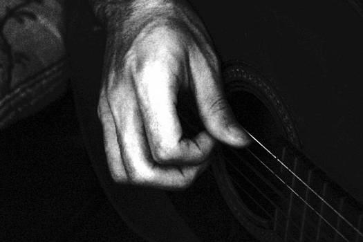 Sandra Pena de Ortiz - Hand of the Guitarist
