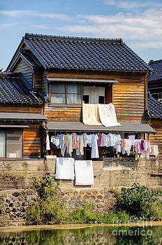 David Hill - Hanging out to dry - Laudry day in Japan