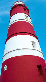 Happisburgh Lighthouse by Yvonne Gallagher