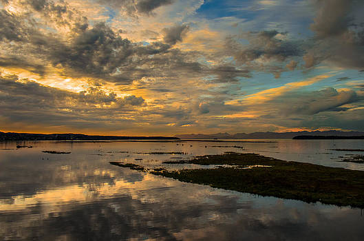 Harbour  Sunset by Rod Sterling