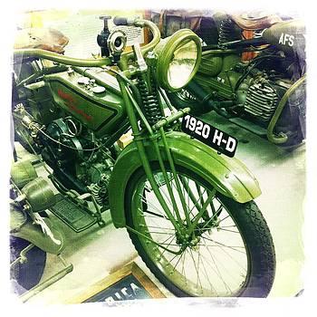 Harley Davidson by Nina Prommer