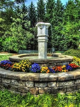 Jaclyn Hughes Fine Art - Harmon Park Fountain