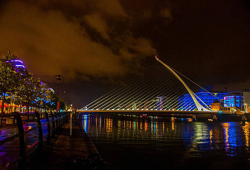Harp Bridge Dublin by Rob Hemphill