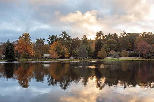 Harris Lake Highlands NC by Allen Carroll
