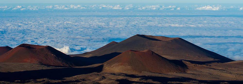 Hawaii Volcanoes by Peter Verdnik