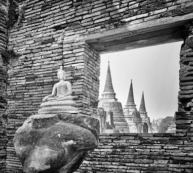 Paul W Sharpe Aka Wizard of Wonders - Headless Buddha at Wat Phra Si Sanphet