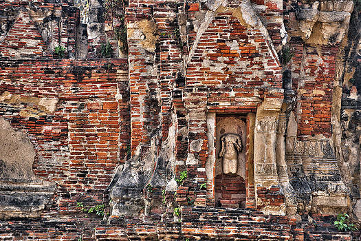 Paul W Sharpe Aka Wizard of Wonders - Headless Buddha on the Ruin Walls