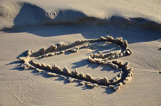 Gynt - Heart on sea sand