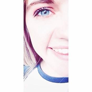 #hfss Aka Half Face Selfie Sunday🙈 by Makae Kae