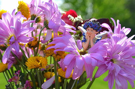 Hiding in the Flowers 1 Woodland Fairies by Linda Rae Cuthbertson