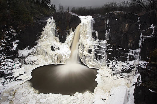High Falls by Jakub Sisak