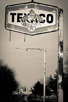 Highway 41 Texaco by Off The Beaten Path Photography - Andrew Alexander