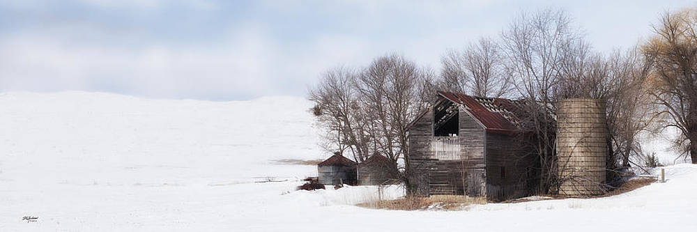 Highway 63 old barn by Don Anderson