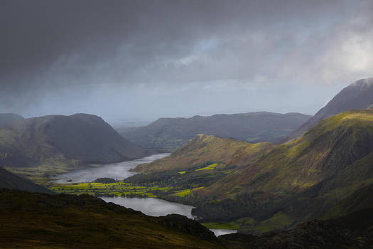 Hiking  the Lake District by Deborah Jahier