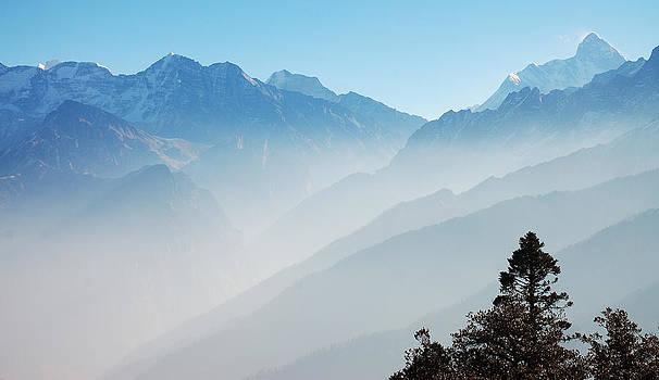 Himalayan morning by Amit Rawal