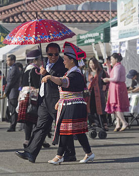 Hmong Couple by Alice Ramirez