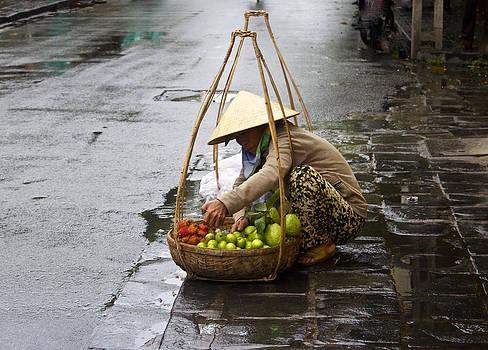 Venetia Featherstone-Witty - Hoi An Street Vendor