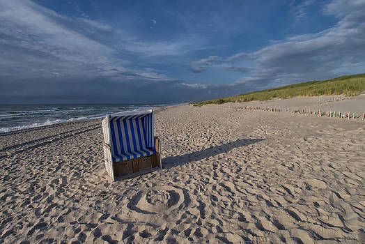 Holiday in the Sand by Juergen Klust