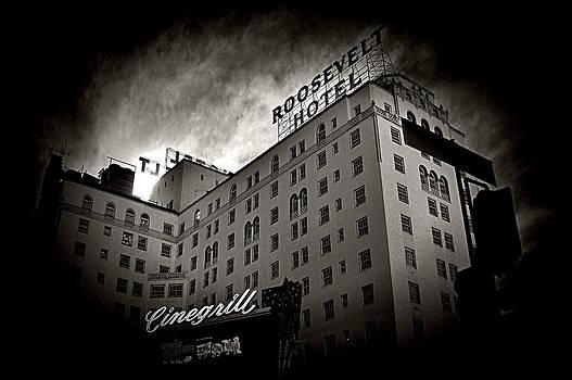 Cindy Nunn - Hollywood Roosevelt Hotel 1