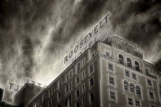 Cindy Nunn - Hollywood Roosevelt Hotel 8