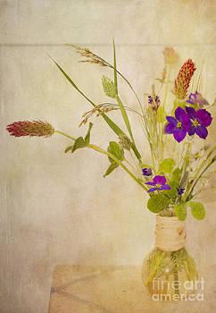 Susan Gary - Homegrown Wildflowers in Vase