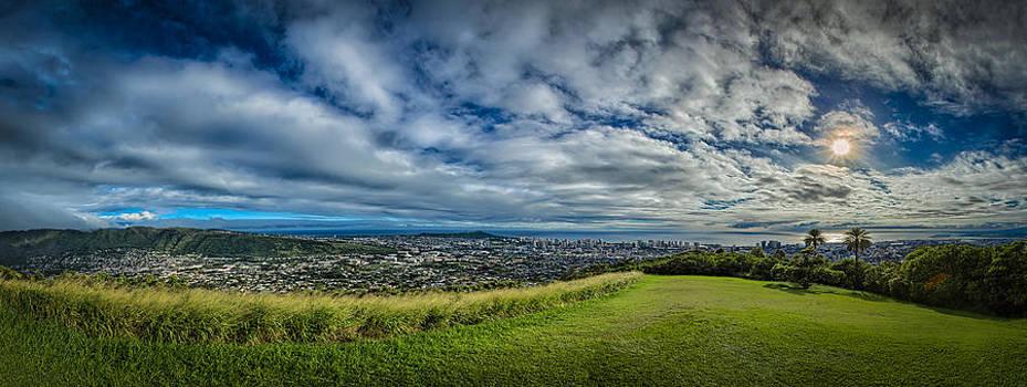 Honolulu by Chris Multop