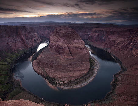 Horseshoe Bend from the Edge by Andrew Soundarajan