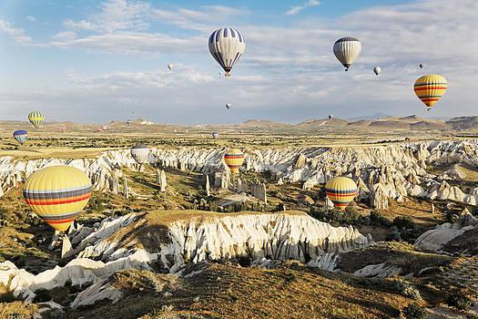 Kantilal Patel - Hot air balloons ghosting through Chimneys