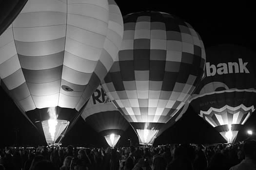 Hot Air Balloons by Robert  Aycock