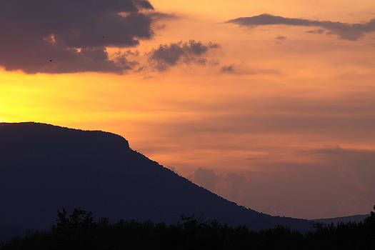 House Mountain Sunset by Geoffrey Archer