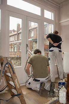 Patricia Hofmeester - House painters at work