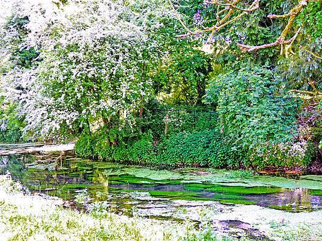 Hughenden Valley High Wycombe by Marilyn Holkham